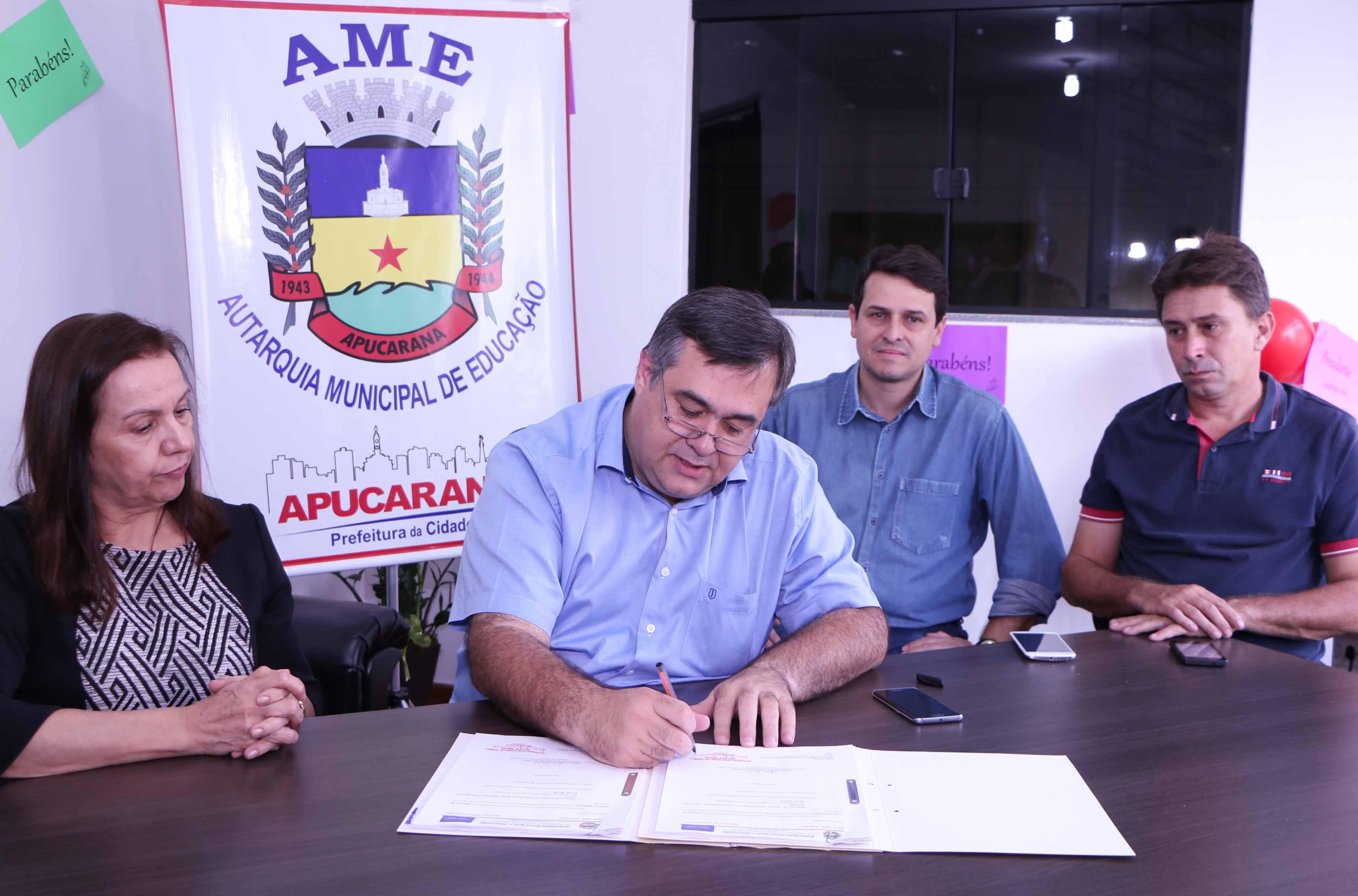 Prefeito Beto Preto autoriza reforma de quadras poliesportivas