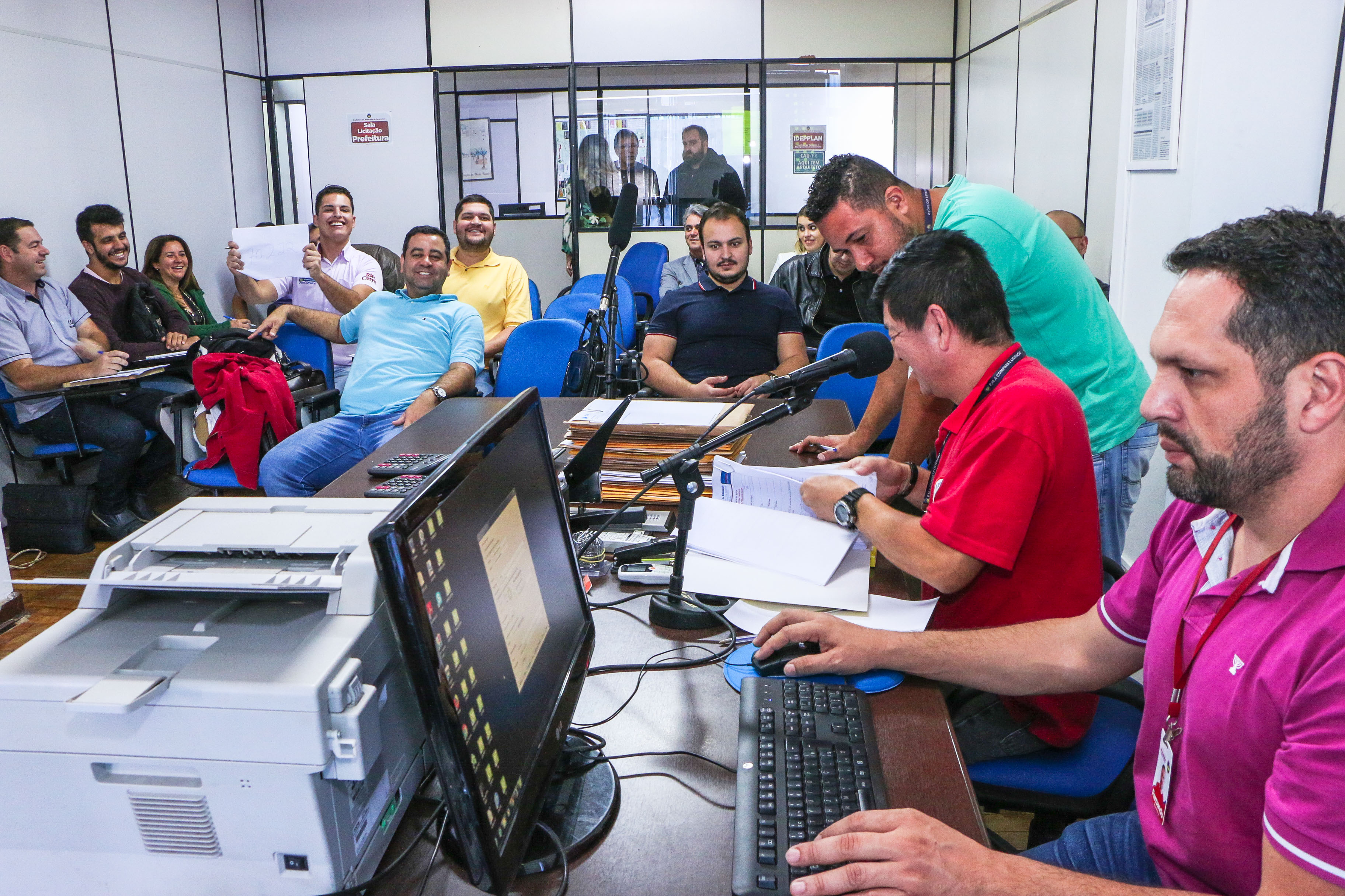 Licitação da merenda escolar atrai 21 empresas em Apucarana