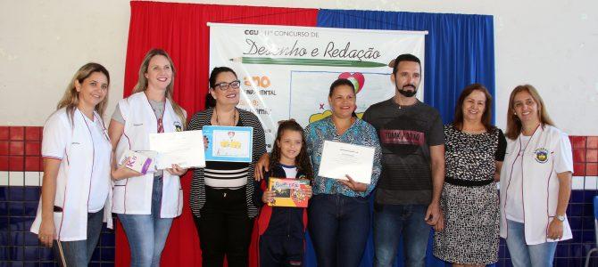 CGU premia aluna da rede municipal de Apucarana