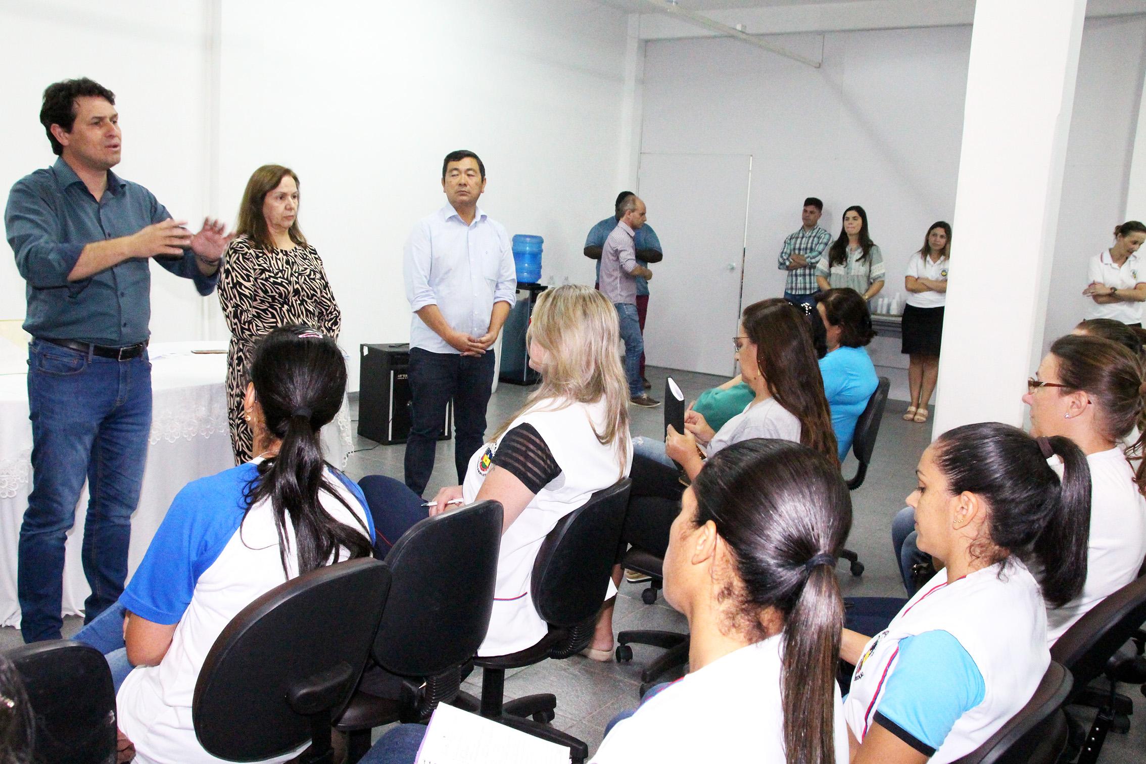 Diretoras escolares recebem orientações para o período de suspensão das aulas