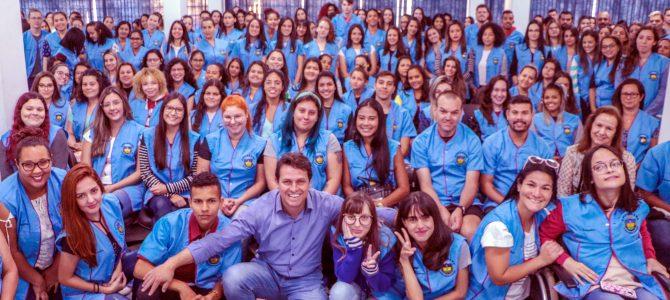 Educação ganha o reforço de 200 estagiários