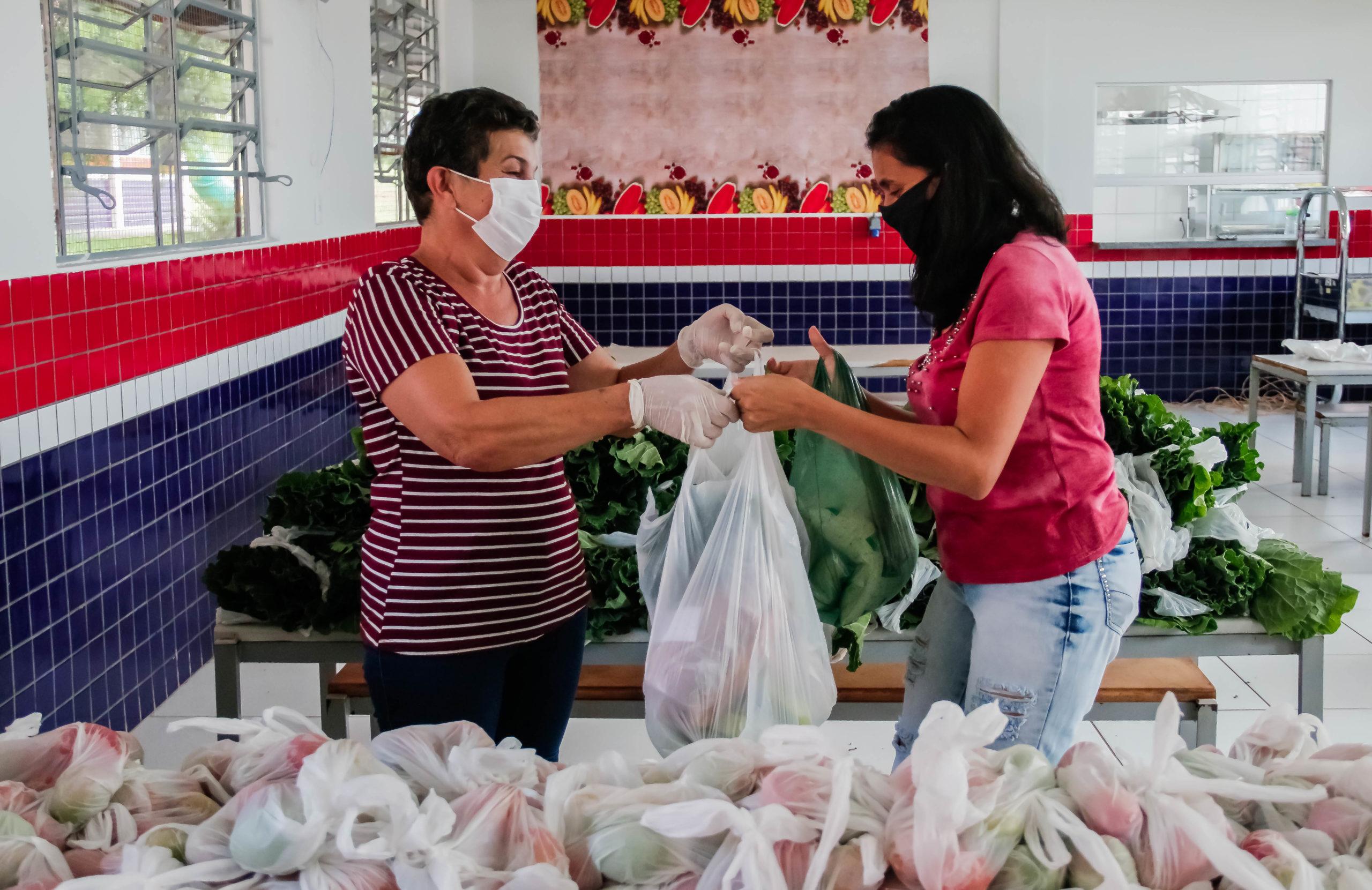 Apucarana já entregou mais de 88 mil cestas para as famílias da rede municipal de ensino