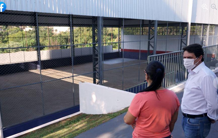 Escola Luiz Carlos Prestes ganha nova quadra esportiva coberta